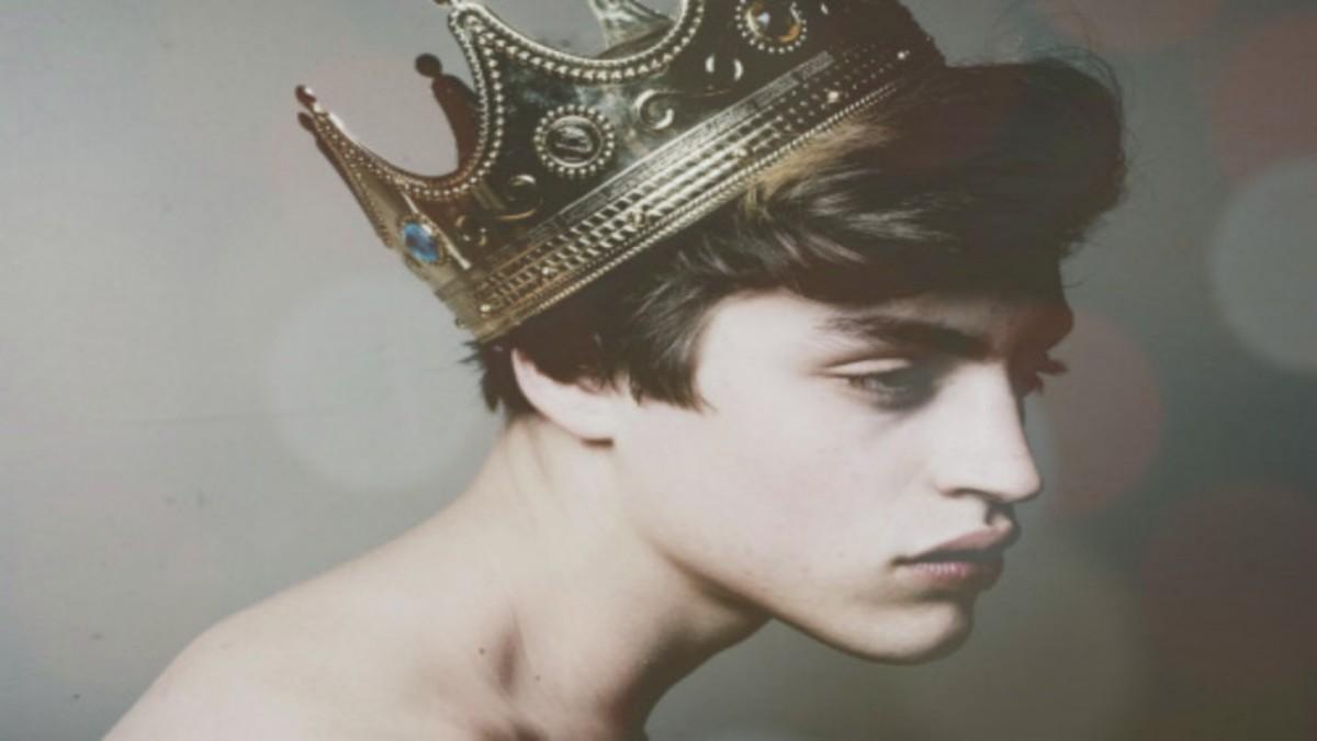Tú que te crees rey, triste paje